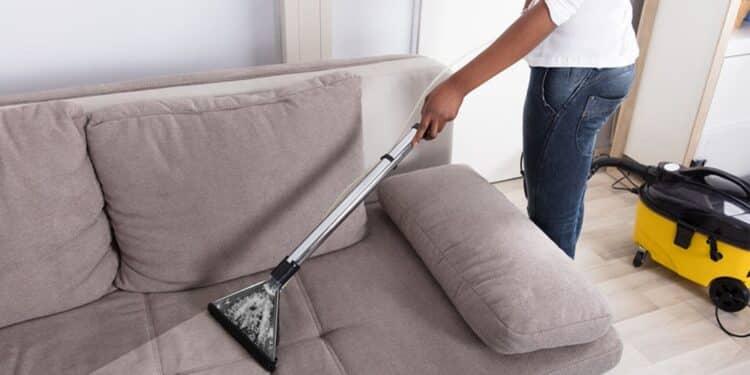 پاک کردن لکه روی مبل
